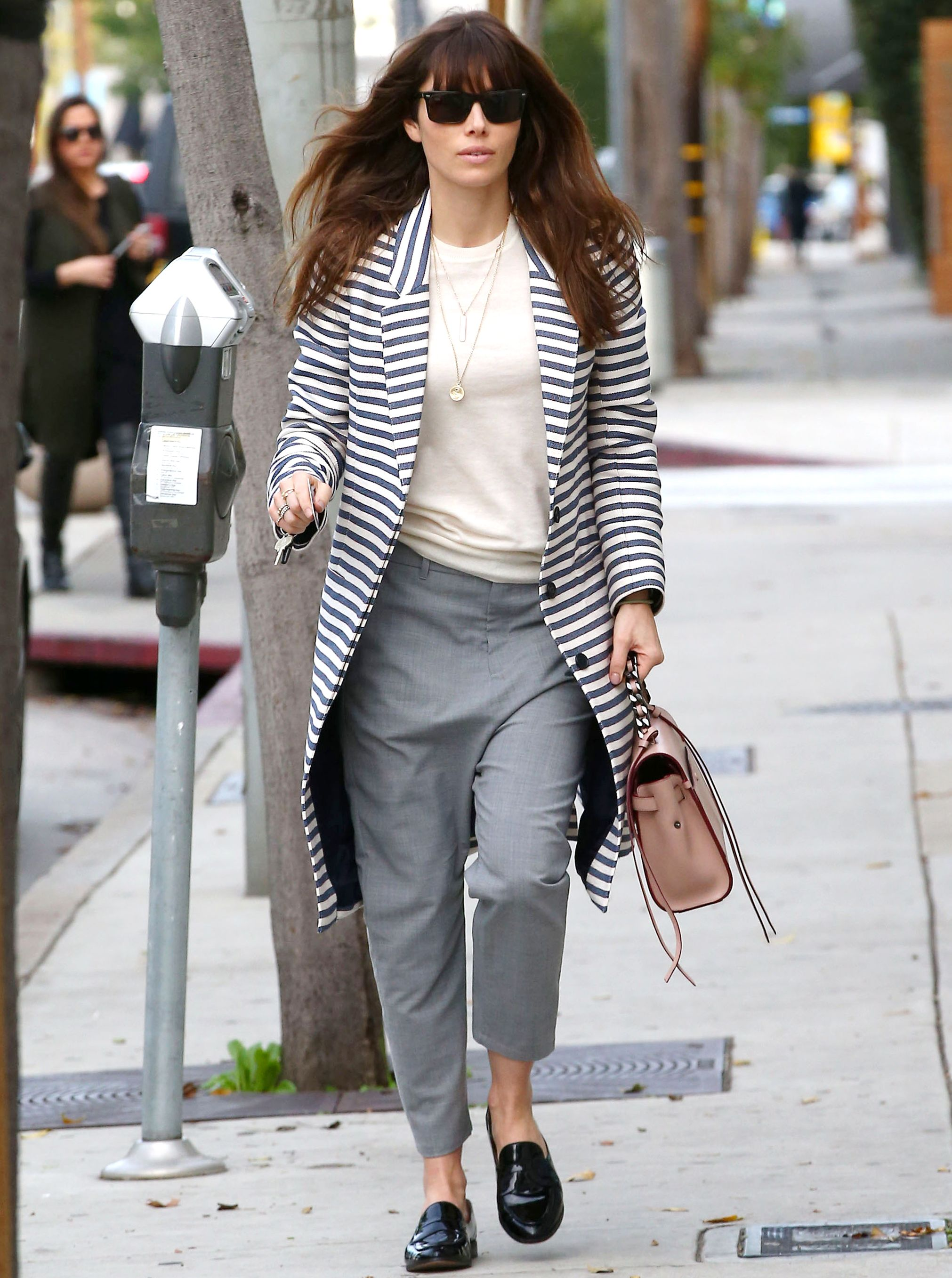 ae5052054d0 Smart Yet Cute Spring Outfits For School. You ll Want to Copy Jessica  Biel s Working Mom Style