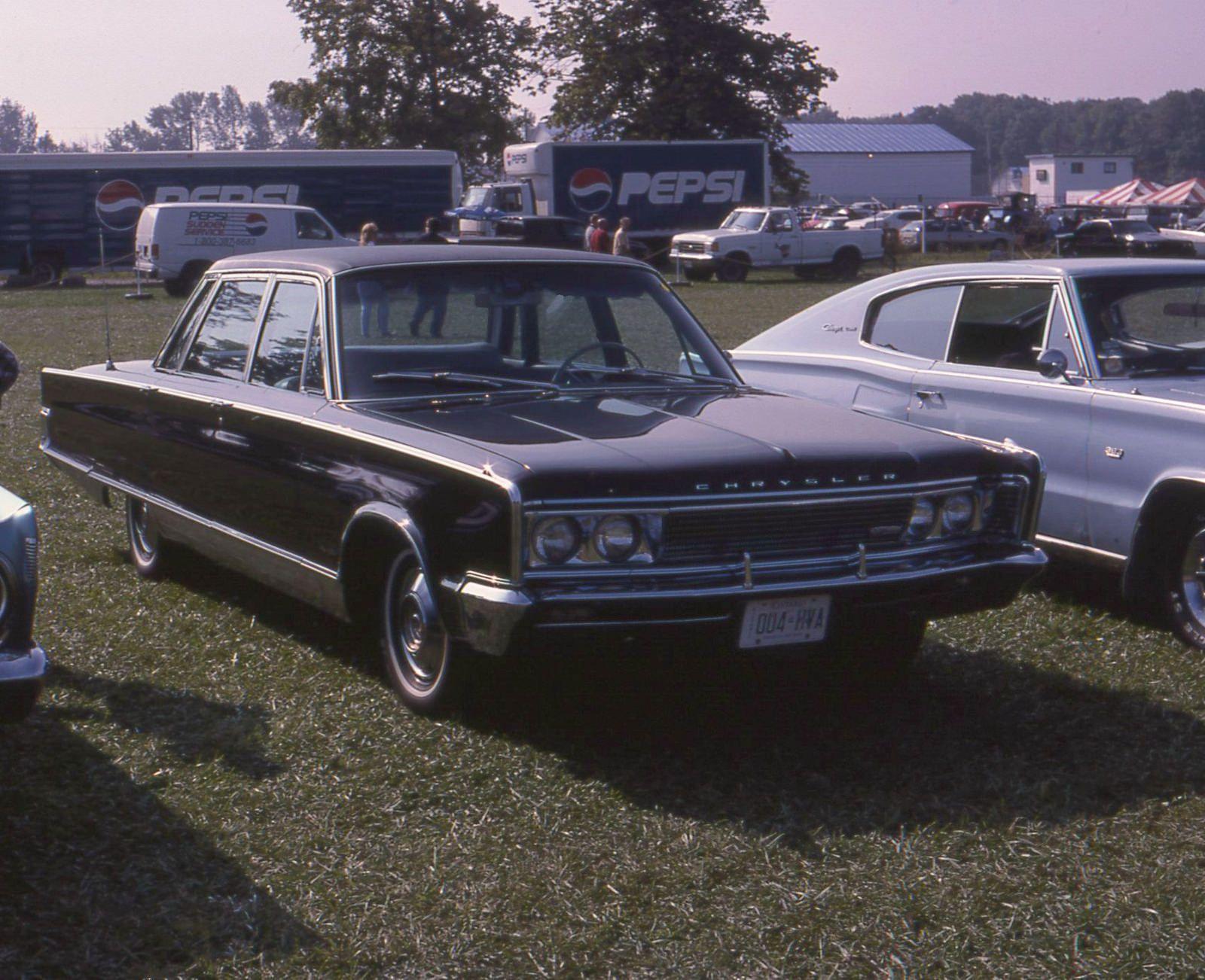 1966 Chrysler New Yorker 4 Door