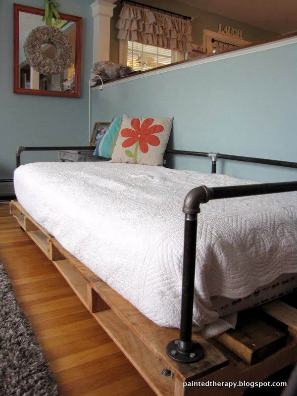 Painted Therapy Building a Pallet Daybed Fantastic DIY projects