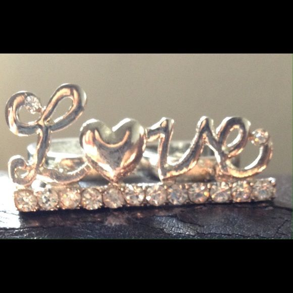 ⚡️LOVE scripted silver tone double finger ring NWT gorgeous silvertone  double finger scripted LOVE ring set on a clear rhinestone bar. Size 6. Jewelry Rings