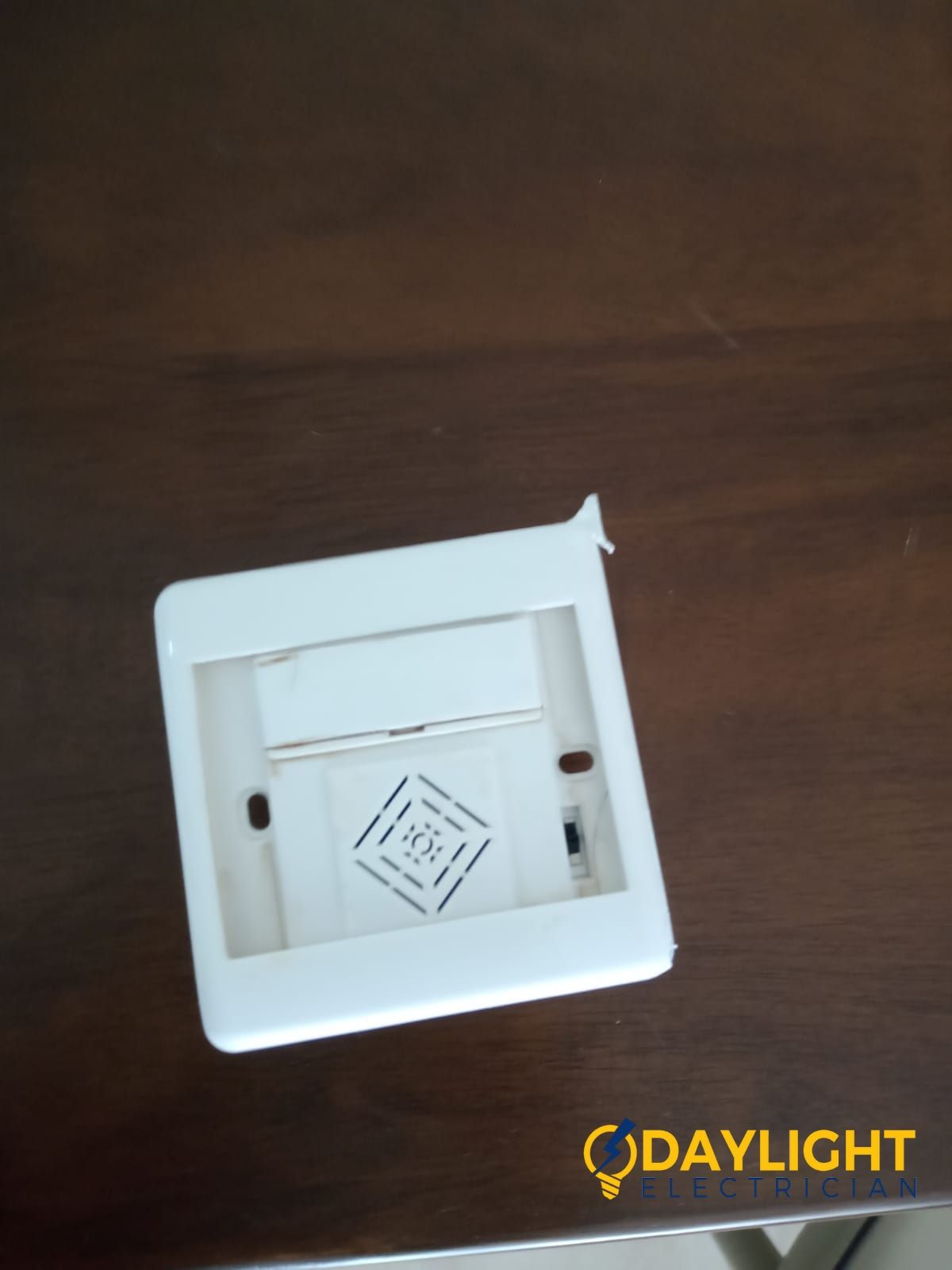 Doorbell Replacement With Wiring Fault In Singapore Hdb Bishan Electrician Services Singapore