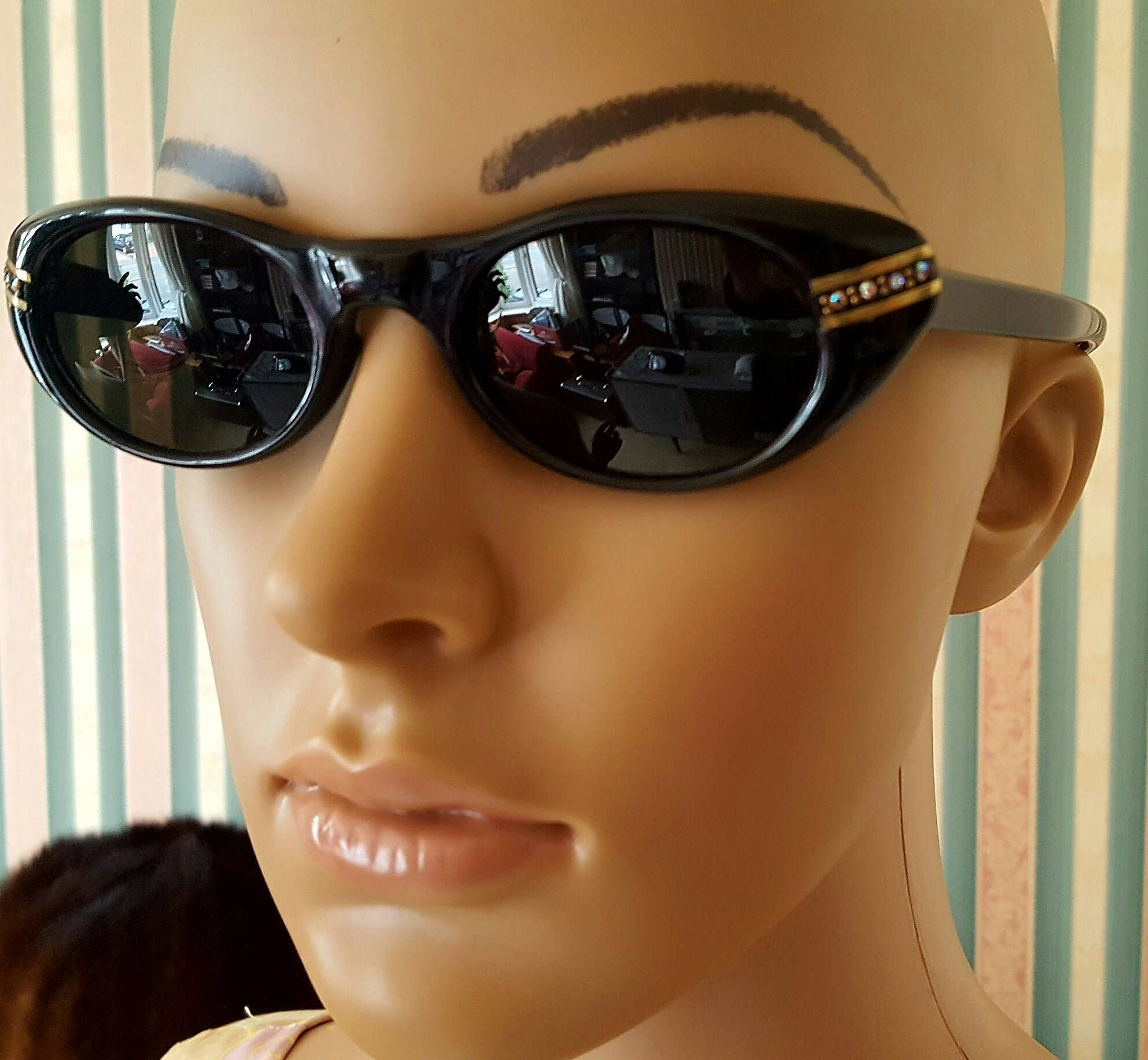 how to get scratches out of sunglasses frame