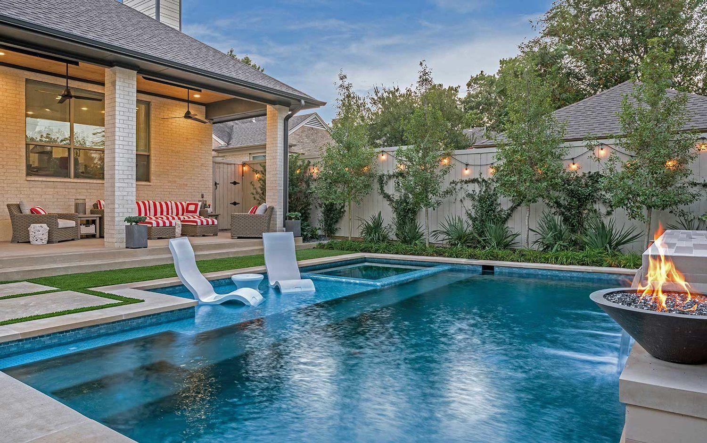 Ddla Design Lakewood Dallaspool Porch Jpg Small Pool Design Backyard Pool Designs Pool Builders Modern backyard pool landscaping