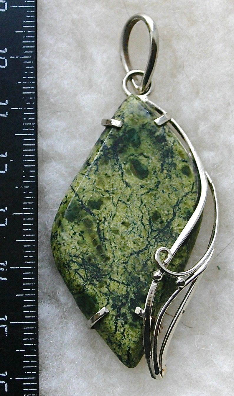 Бижутерия из мельхиора и натуральных камней