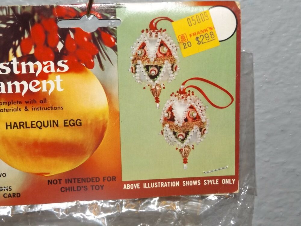 Walco Holiday SANTA/'S ELF Pixie Vintage Sequin Bead Christmas Ornament Craft Kit