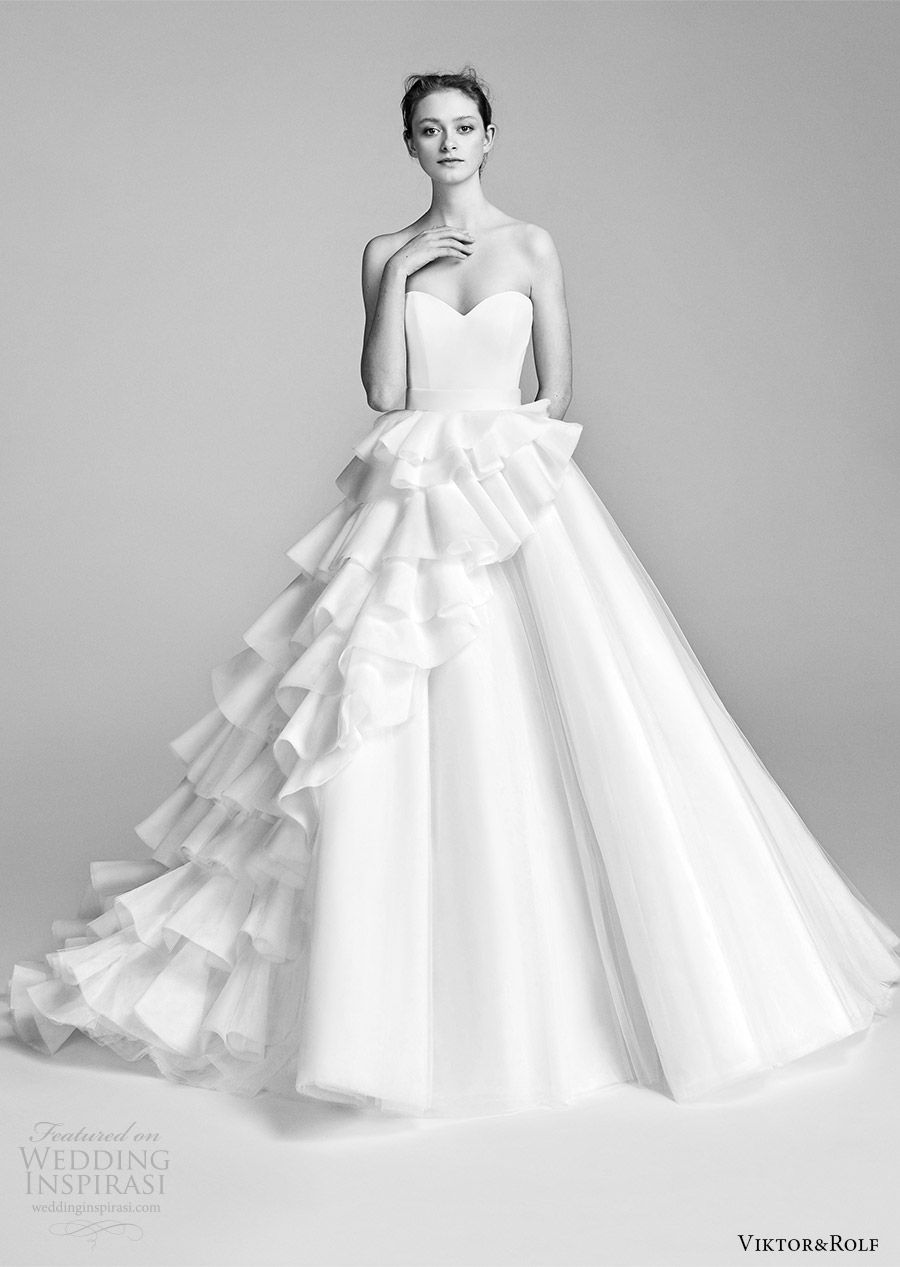 Wedding dresses with ruffles on skirt  ViktoruRolf Spring  Wedding Dresses  Romantico Matrimonio e