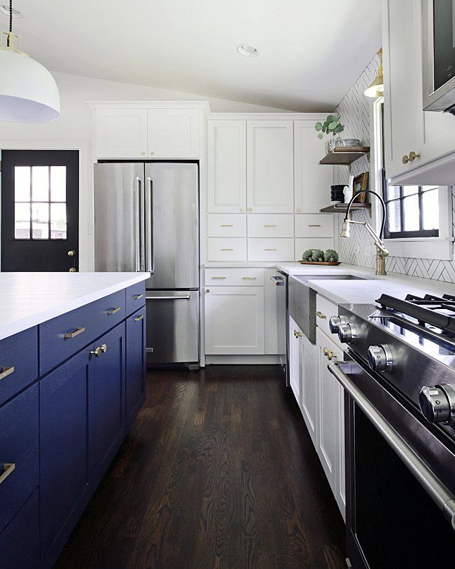 Beautiful White Kitchen With White Shaker Style Cabinets