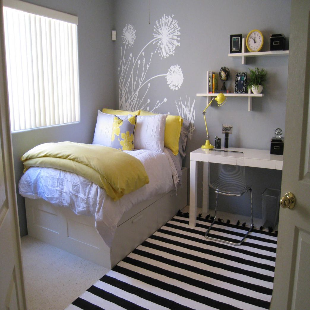 Merveilleux Desk In Small Bedroom   Ideas For Small Bedrooms Makeover Check More At  Http://maliceauxmerveilles.com/desk In Small Bedroom/ # ...