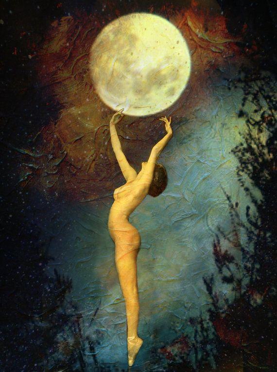 Resultado de imagen de mujer en la luna pinterest