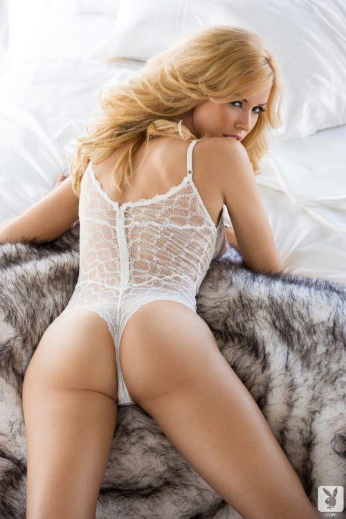 Milf big boob pic