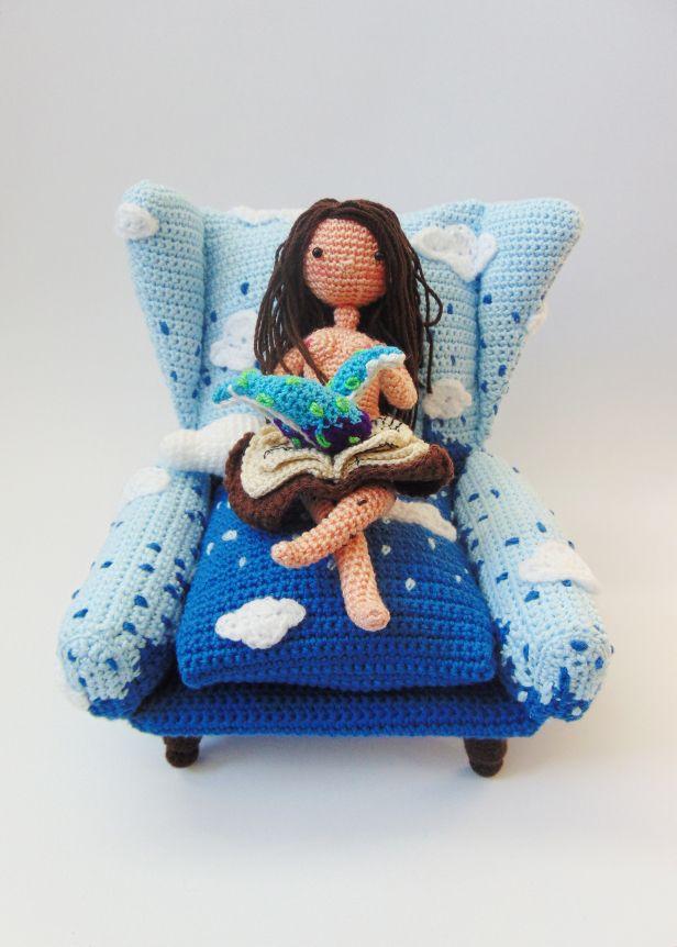 sofa #nube #necronomicón #cthulhu #book #fantasy #amigurumi #crochet ...