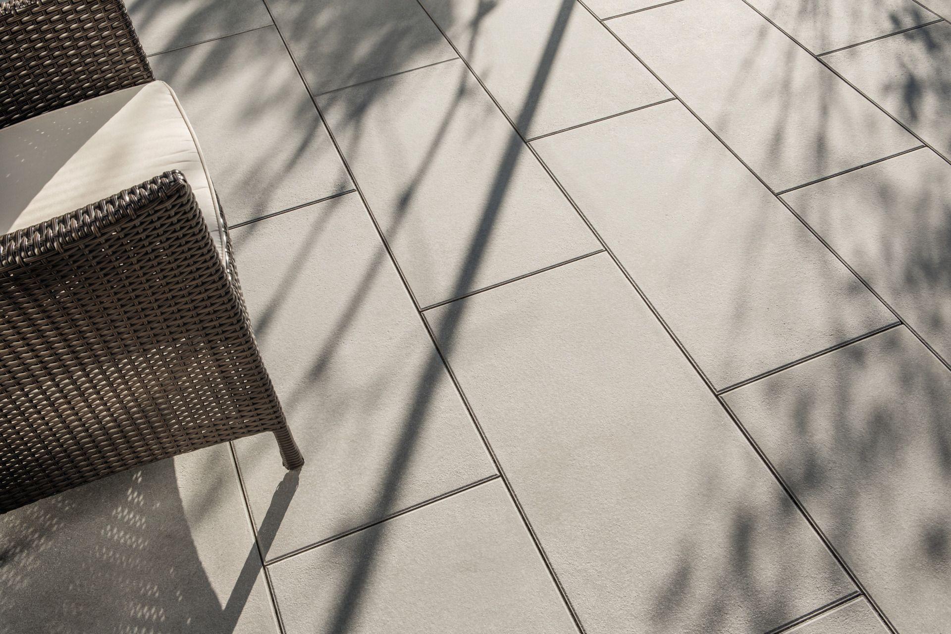 Rechteckige Terrassenplatten In Grauer Farbe Terrassenplatte