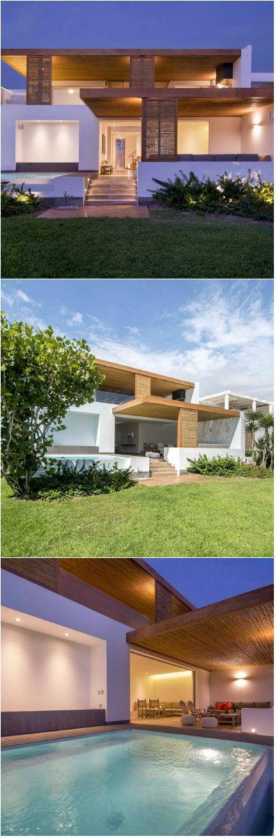 Minimalist Beach House: Modern Classic Minimalist Peruvian Beach House In Lima