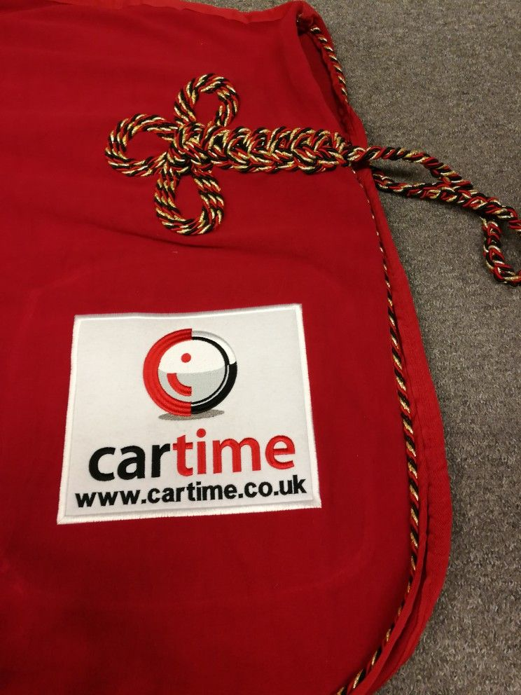 Horse Fleece Liquéd And Embroidered With Company Logo Please Contact Us For Advice On Which