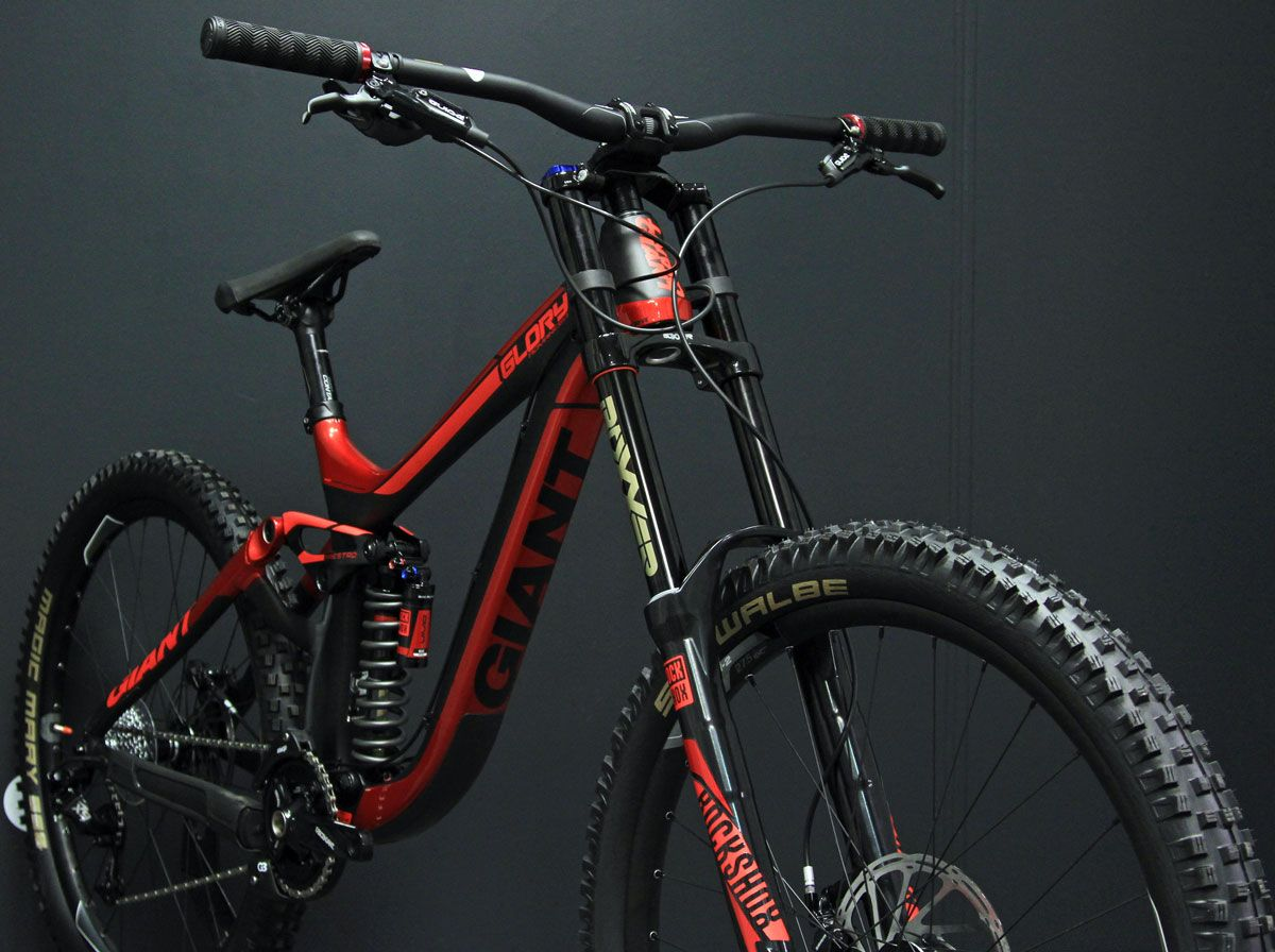 giant glory carbon par #veloland #metz #giant #dh #mtb | Stuff to ...