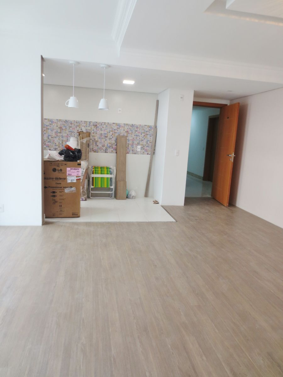 O piso do ap j est instalado escolhemos o laminado for Piso laminado instalado