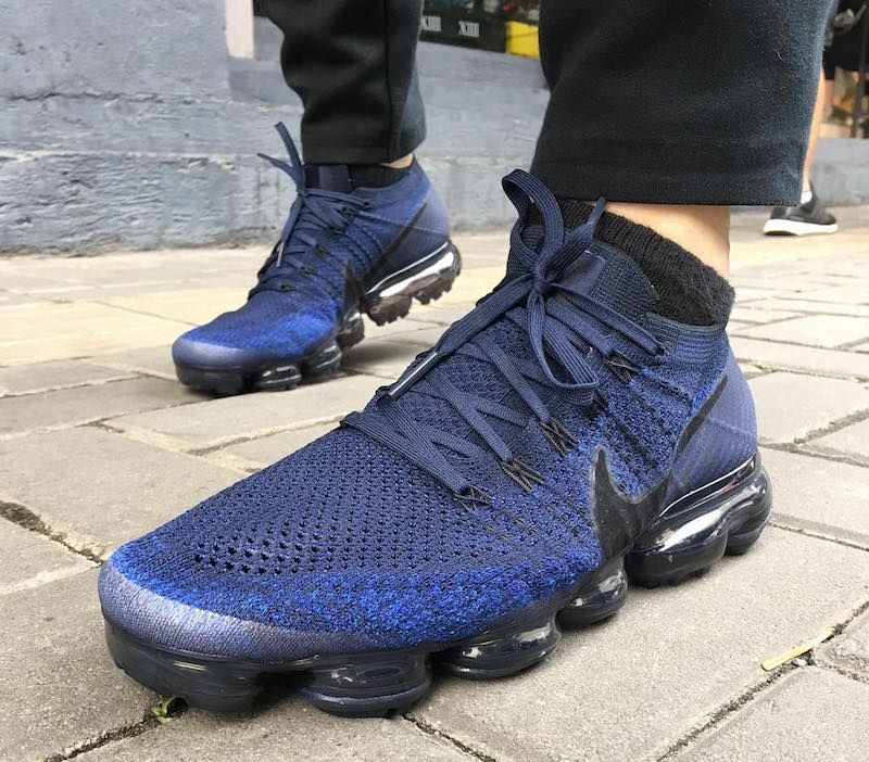 NIKE AIR VAPORMAX FLYKNIT DAY NIGHT COLLEGE NAVY ROYAL BLACK 849558 ... 7cbc6e04a50a