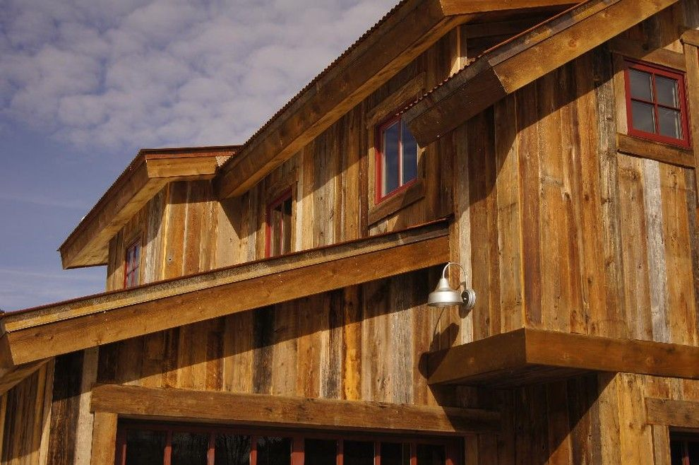 Cool Vertical Siding Convention Other Metro Rustic Exterior Image Ideas With Reclaimed Wood Red Tr Rustic Exterior Farmhouse Exterior Beautiful Houses Interior