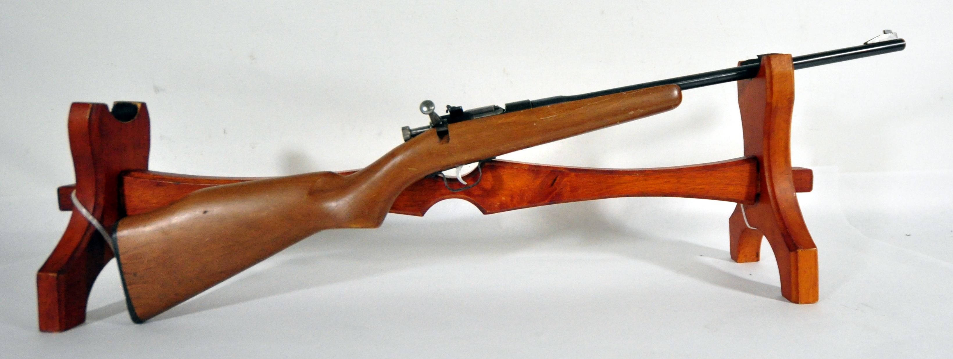 rifle co dating The rifle is for the most j stevens a & t co stevens serial numbers are useless for dating productionmine belowis a model 1915 made about 1920 right.