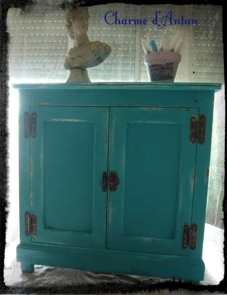 petit meuble bleu charme d 39 antan dko pinterest petit meuble meubles et charme. Black Bedroom Furniture Sets. Home Design Ideas
