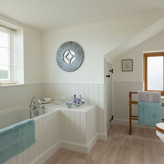 Check out this country-style bathroom | Wooden panelling, Country ...