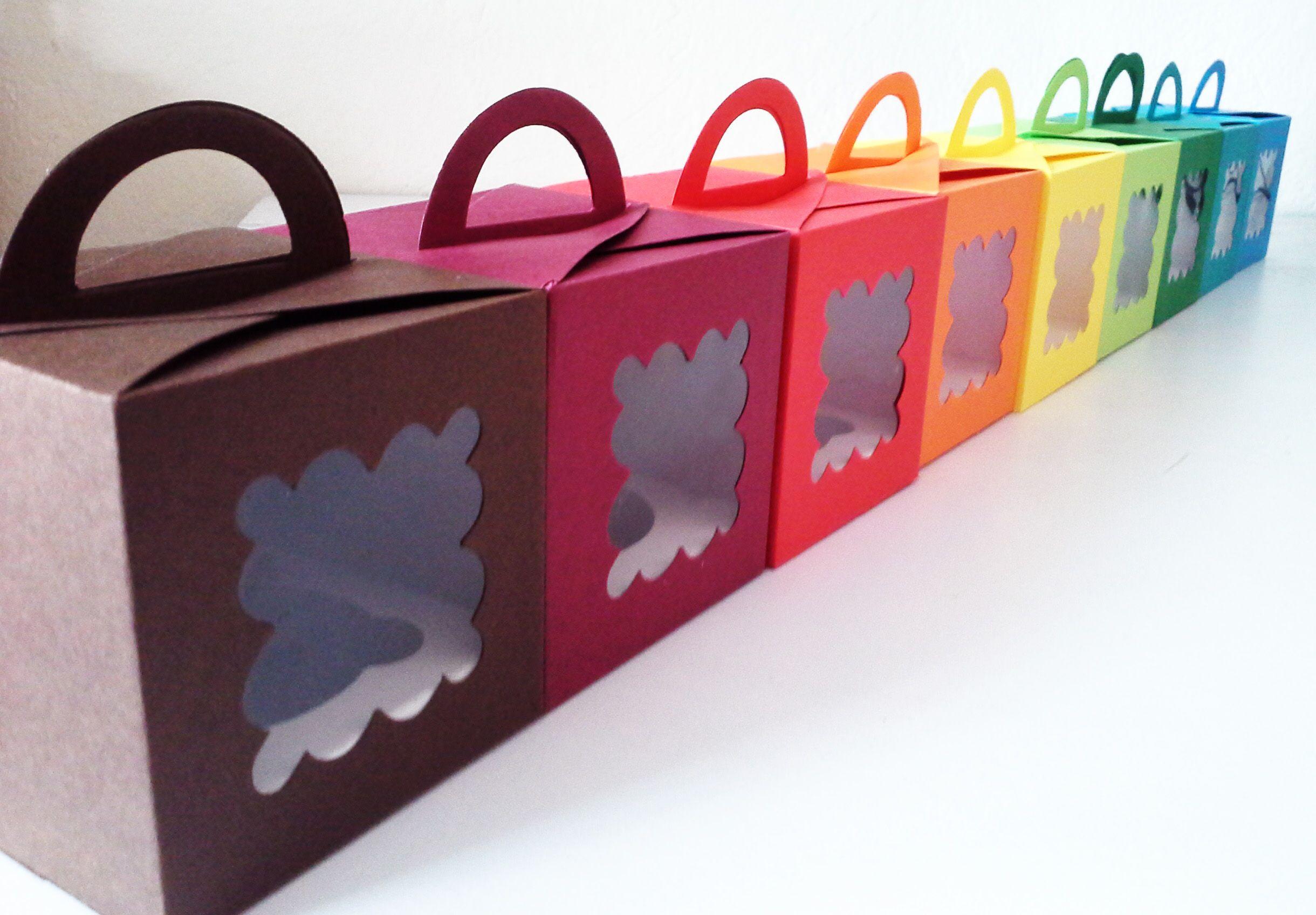 Caja con aza. Hecha de cartulina Hi Color | Cajas para cupcakes ...