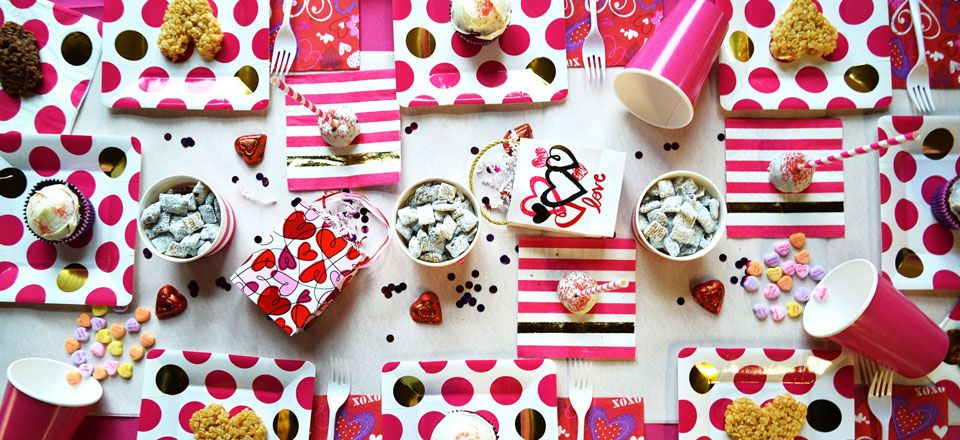 Stock up on all your @bydesigndesign #ValentinesDay paper products at #ThePapery!
