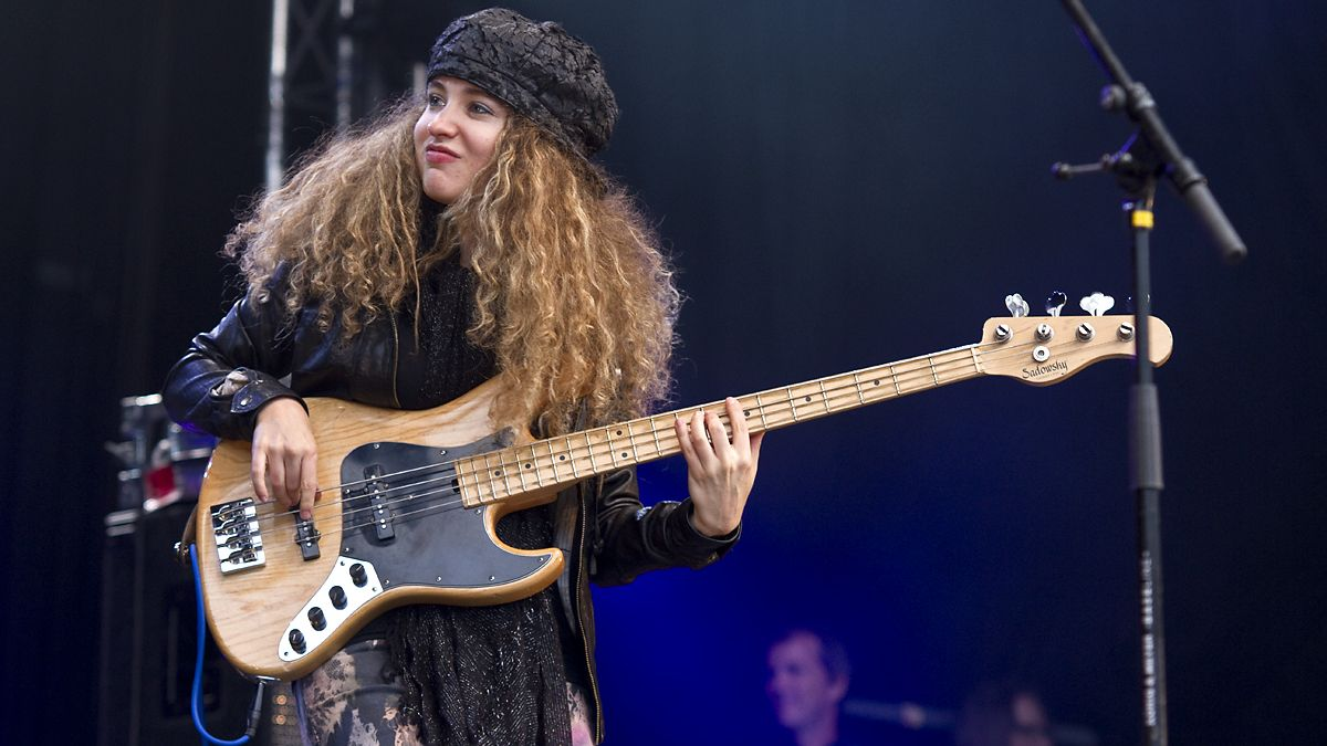 top 10 female bass guitar players been a long time since i rock rolled tal wilkenfeld. Black Bedroom Furniture Sets. Home Design Ideas