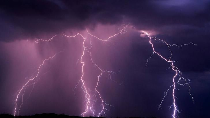 Storm Lightning Wallpaper 2 Hd Wallpaper Storm Wallpaper Lightning Images Pretty Sky