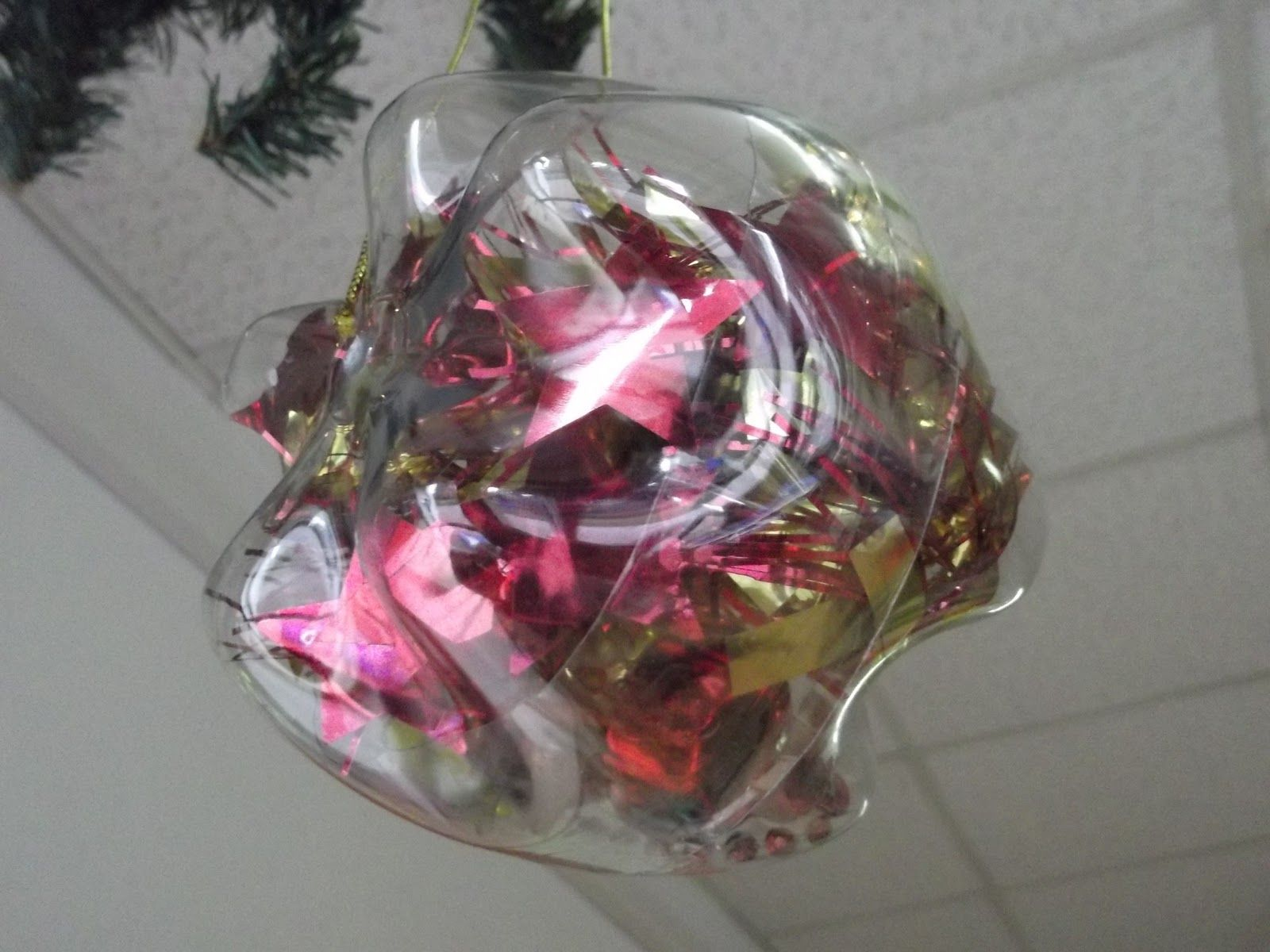 Stella Di Natale Con Bottiglie Di Plastica.1000 Idee Palle Di Natale Con Fondi Di Bottiglie Pet Natale