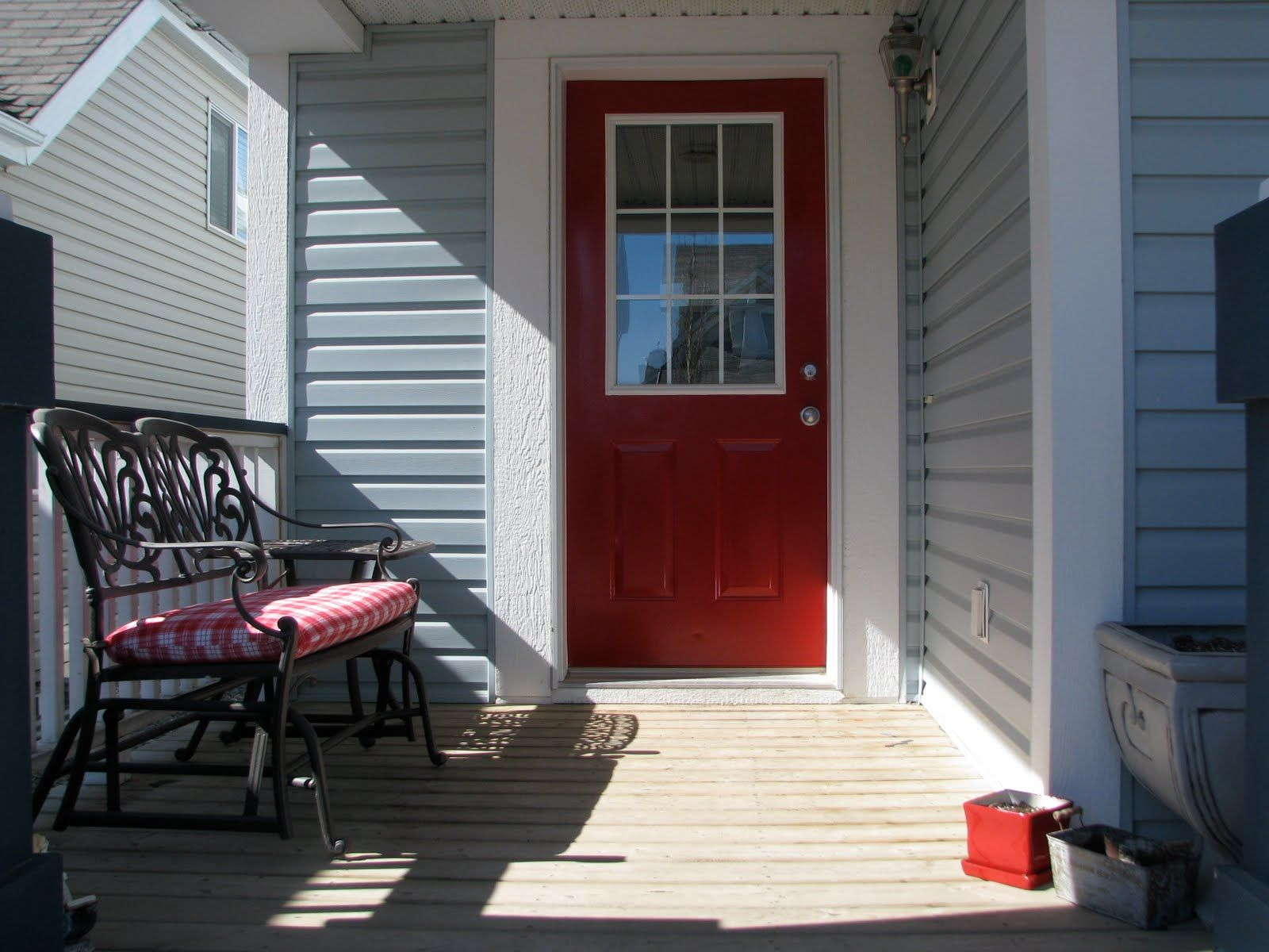 Blue house with a red front door for the home red door - Front door colors for blue house ...