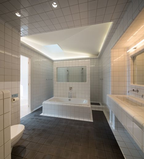 herenhuis Heemraadssingel // badkamer op de eerste verdieping ...
