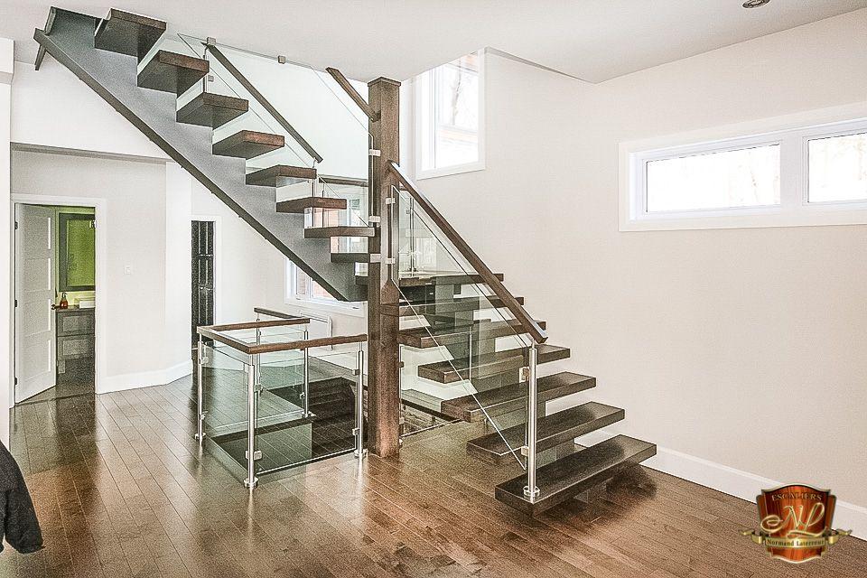 Escalier Avec Limon Central En Acier Peint Et Marches 1 5 8 D