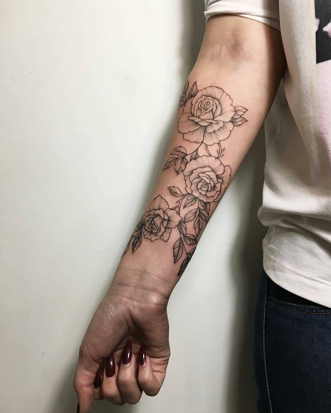 Ira Shmarinova Tatuaje Rosas Lineales Tattoos Tatuaje De Manga