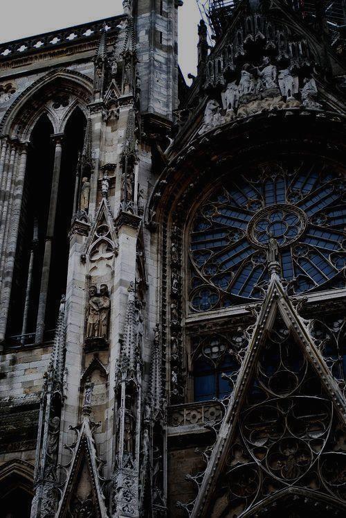 Gothic architecture aesthetic #gothic #architecture #aesthetic ,  gotische architektur ästhetisch ,