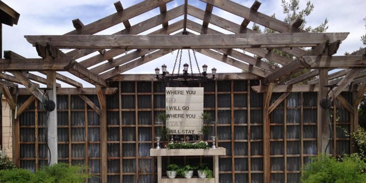 Hummingbird Hollow Events Weddings | Get Prices for Central Valley ...