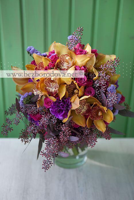 mozhno-kupit-malinovie-orhidei-v-svadebnom-bukete-hrizantem-sirenevih