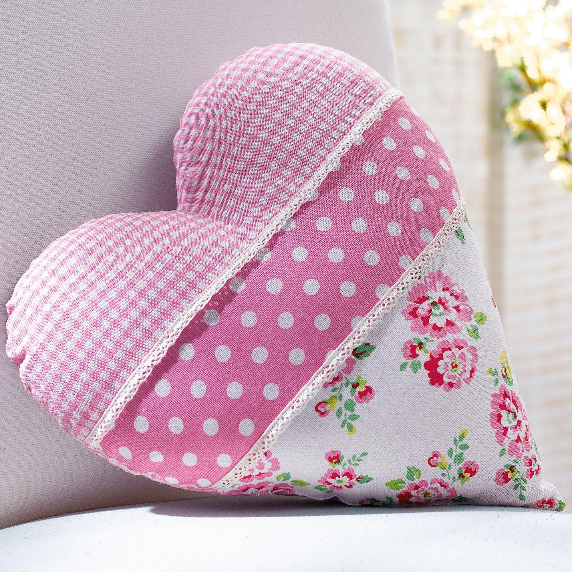 heart pillows diy und selbermachen kissen kissen n hen und n hen. Black Bedroom Furniture Sets. Home Design Ideas