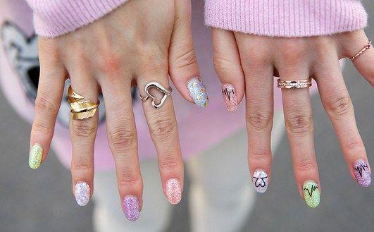 How To Create Glitter Nail Art Nails Pinterest Glitter Nails