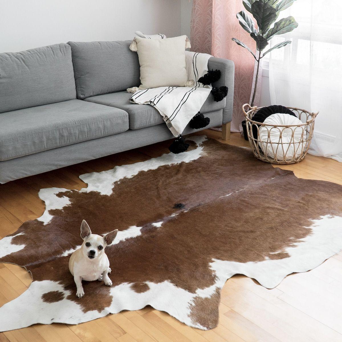 Tapis Peau De Vache A Kobe A Tapis Peau De Vache Rugs Animal Hide Decor Area Rugs