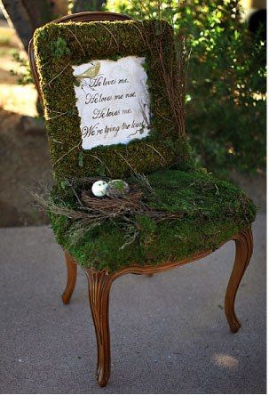 Inspiration moss covered chair and frame pinteres for Chaise qui roule