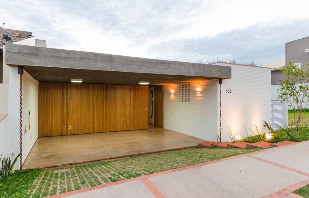 Moderna casa de un piso y tres dormitorios presenta - Ladrillos de hormigon ...