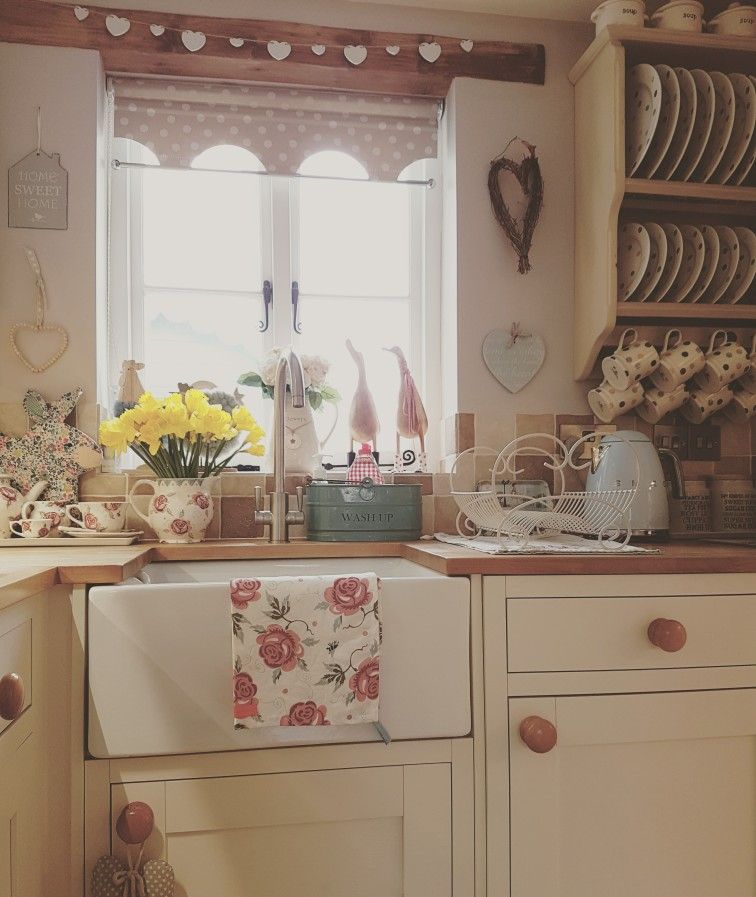 Shabby Chic Kitchen Cabinets: Pin By Astrid Carlucci On Shabby Chic Kitchens