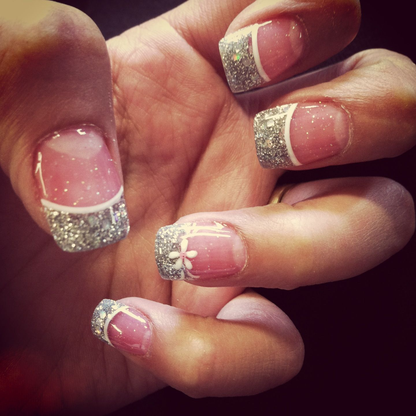 Pretty Nails Pink And White Silver Glitter Tips With White Line White Glitter Nails Pretty Nails Glitter Tip Nails