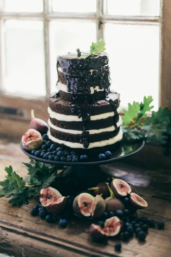 21 Chocolate Wedding Cakes for Fall Weddings that sure to surprise the guests