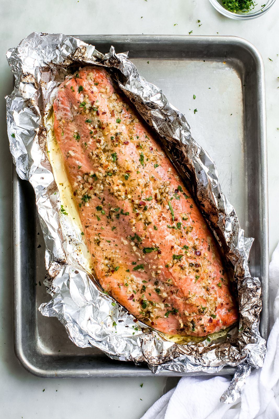 Garlic Butter Baked Salmon In Foil Recipe Little Spice Jar Recipe Baked Salmon Baked Salmon Recipes Salmon In Foil Recipes