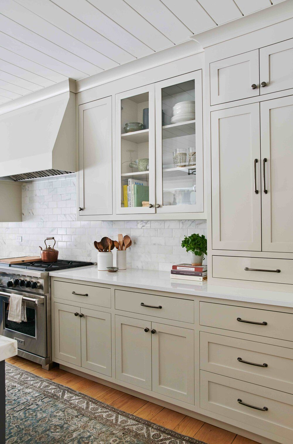 Designers Amber Interiors Cabinet Color Revere Pewter Kitchen Cabinet Design Greige Kitchen Cabinets Kitchen Cabinet Colors