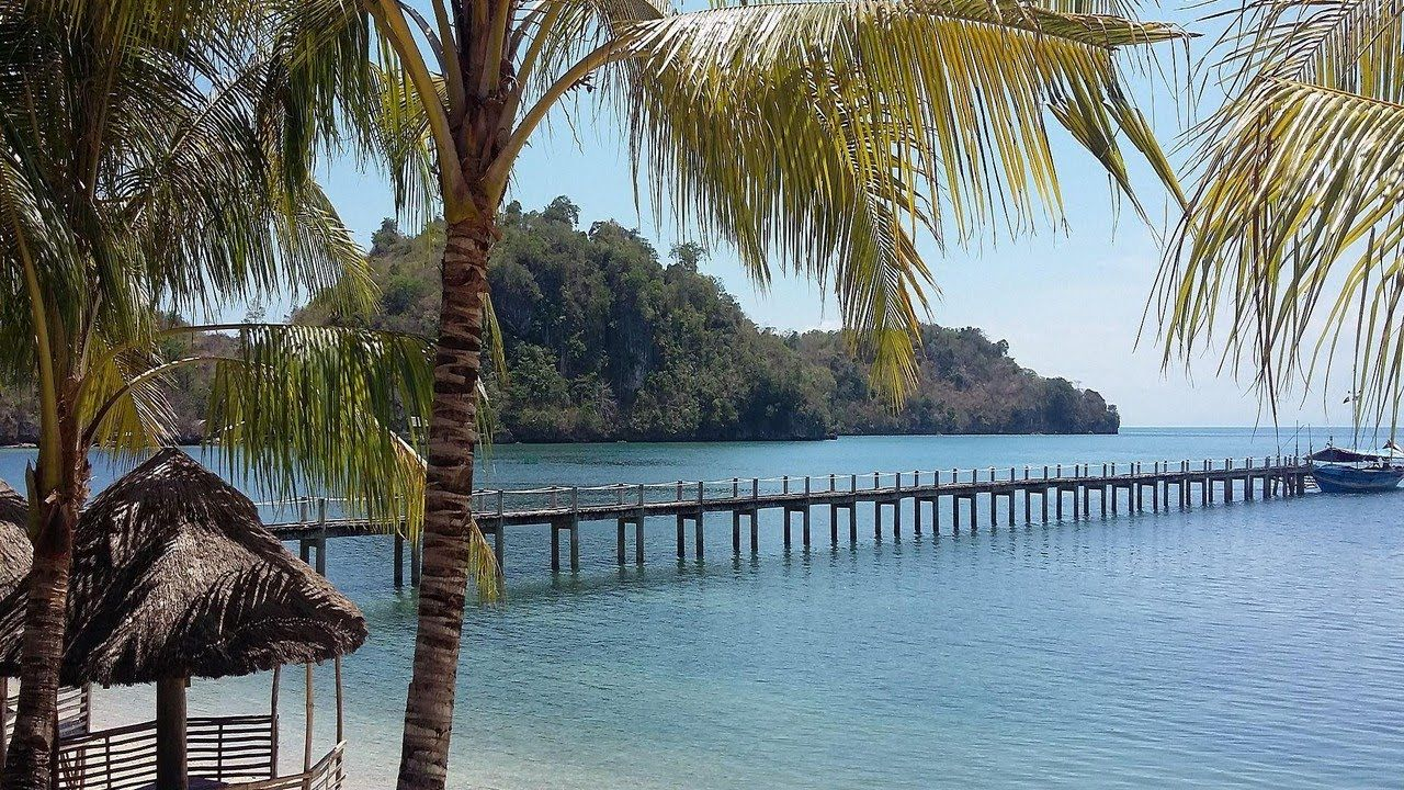 Cabaling Beach Resort Guimaras Island Philippines Visit Us Http Phresortstv Com To Get Your Customized Web Video Promo Beach Resorts Resort Outdoor Pool