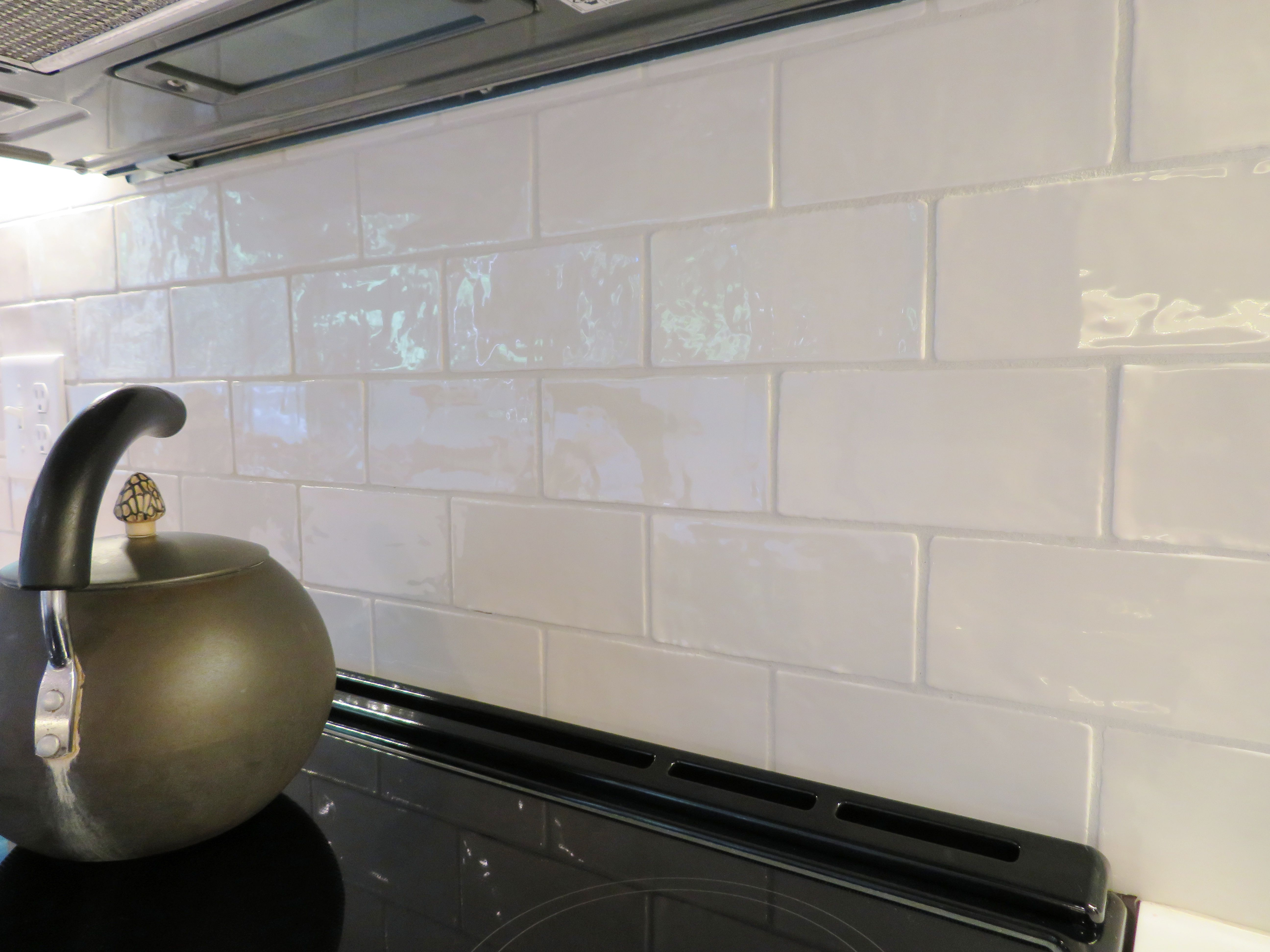 Crafter White Subway Tile Adds Texture