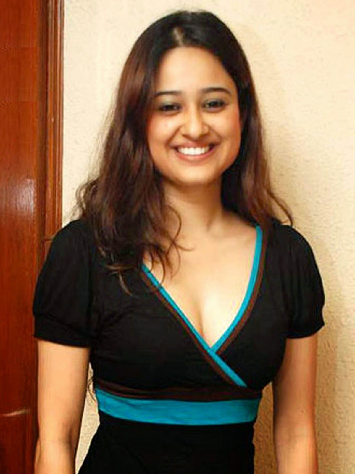 Neha Mehta Sexy Gujarati Movie Actress